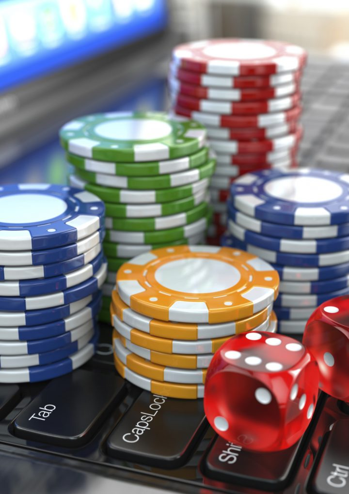 How can the gamblers be registered on online site daftar joker123 for playing?