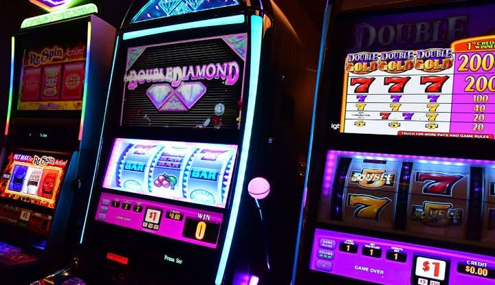 Slot Machine – How To Deposit The Money In Slots?