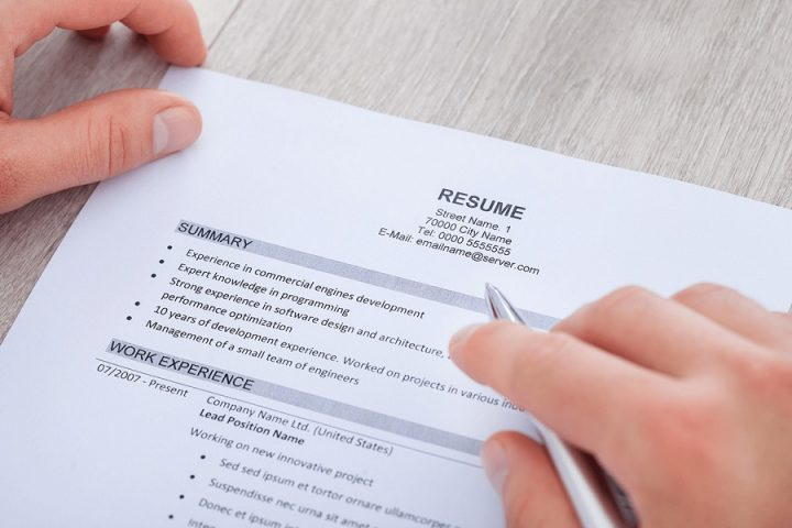 Resume builder- which makes the resume that speaks out your personality